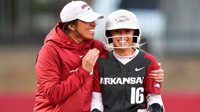 Huffine's career day paces Arkansas to sweep over 'Nova, Kent State