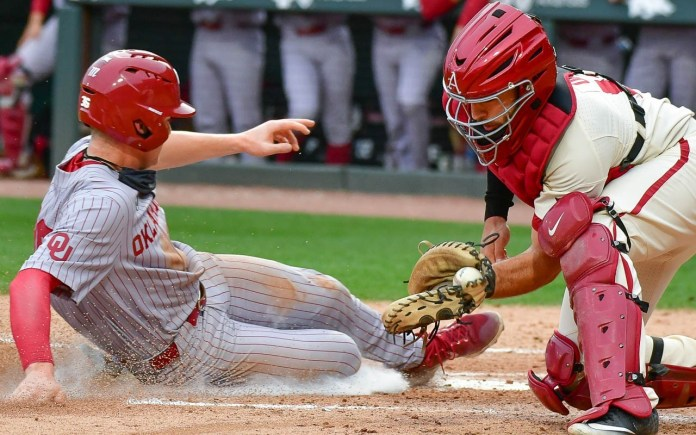 Five runs in third enough to pace Oklahoma over Hogs, 8-5