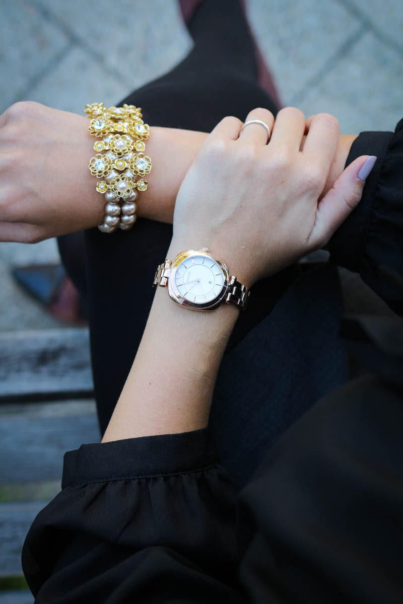 "A ""Clueless"" inspired New York Fashion Week outfit featuring Carolee Jewelry and Escape Watches."