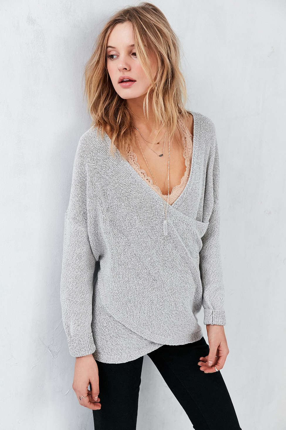 8 of the coziest sweaters to fall into comfort // chunky sweaters, fall style, fall outfits
