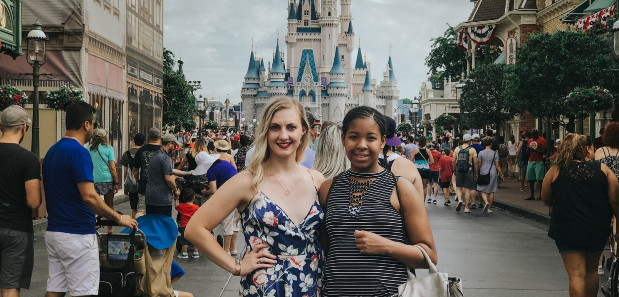 A day at Magic Kingdom on our Disney Vacation // Cinderella's Castle // Family Vacation