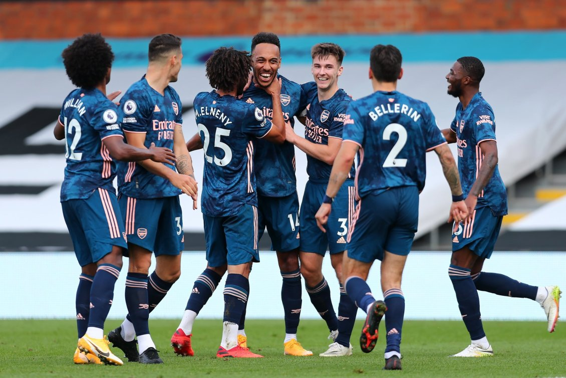 Arsenal celebrating win over Fulham