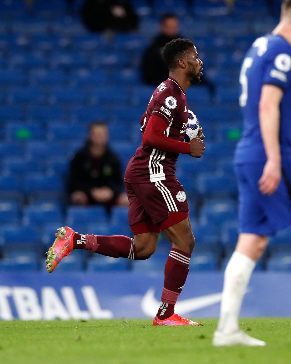 Iheanacho makes history as Chelsea sink Leicester City