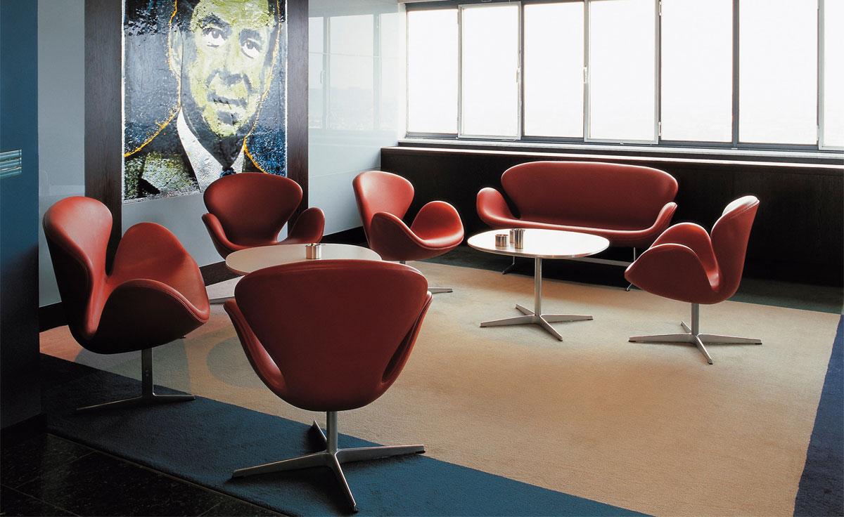 Arne Jacobsen Swan Sofa  hivemoderncom
