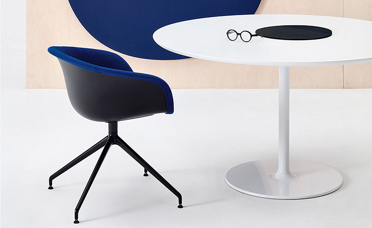 Duna 02 Trestle Base Chair With Front Upholstery