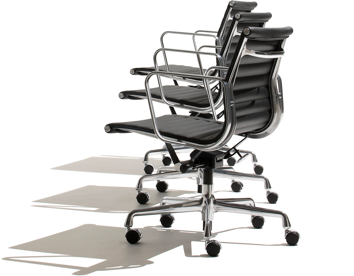 eames aluminum group management chair dining covers in store hivemodern