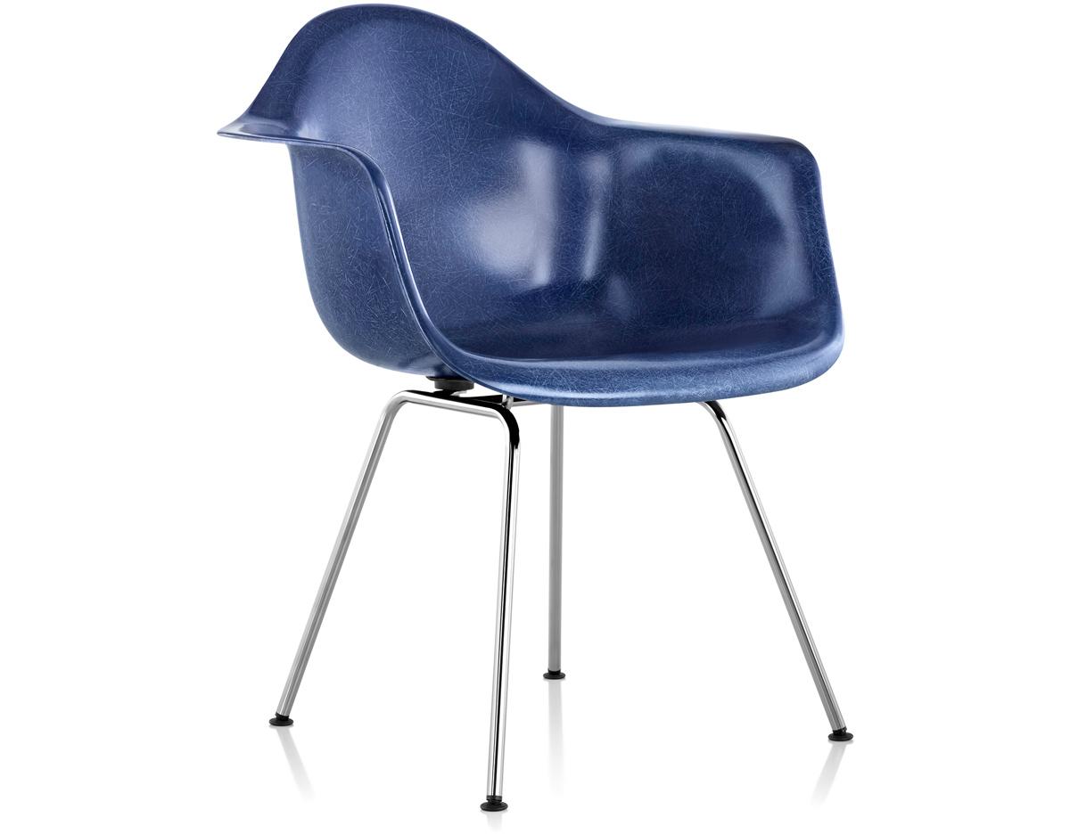 Eames Molded Fiberglass Armchair With 4 Leg Base