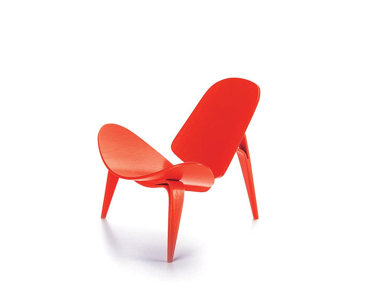 3 legged chair weird chairs miniature wegner hivemodern