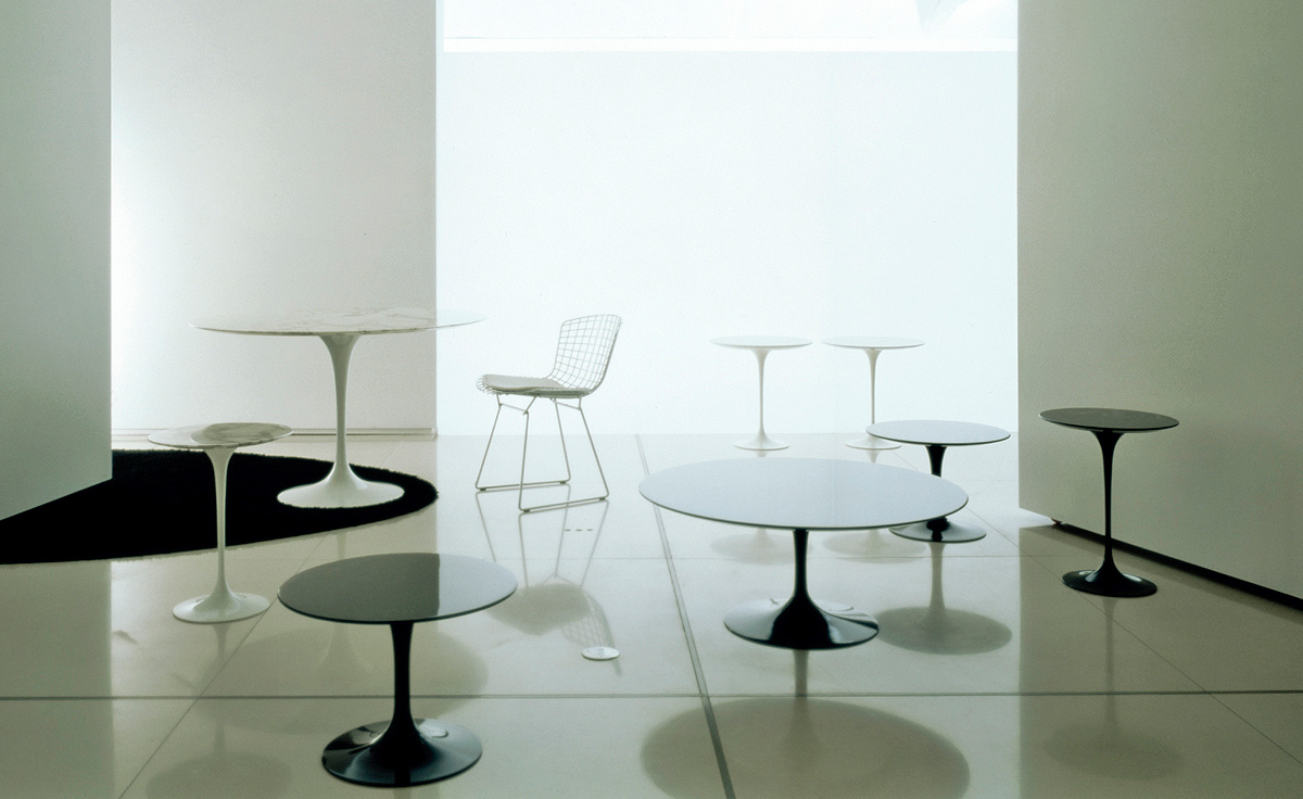 tulip table and chairs ivory rosette chair covers saarinen dining white laminate hivemodern com
