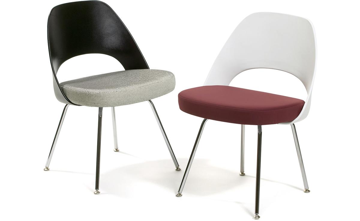 Saarinen Plastic Back Side Chair With Tubular Legs