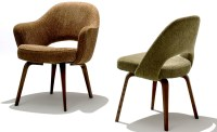 Saarinen Executive Side Chair With Wood Legs - hivemodern.com