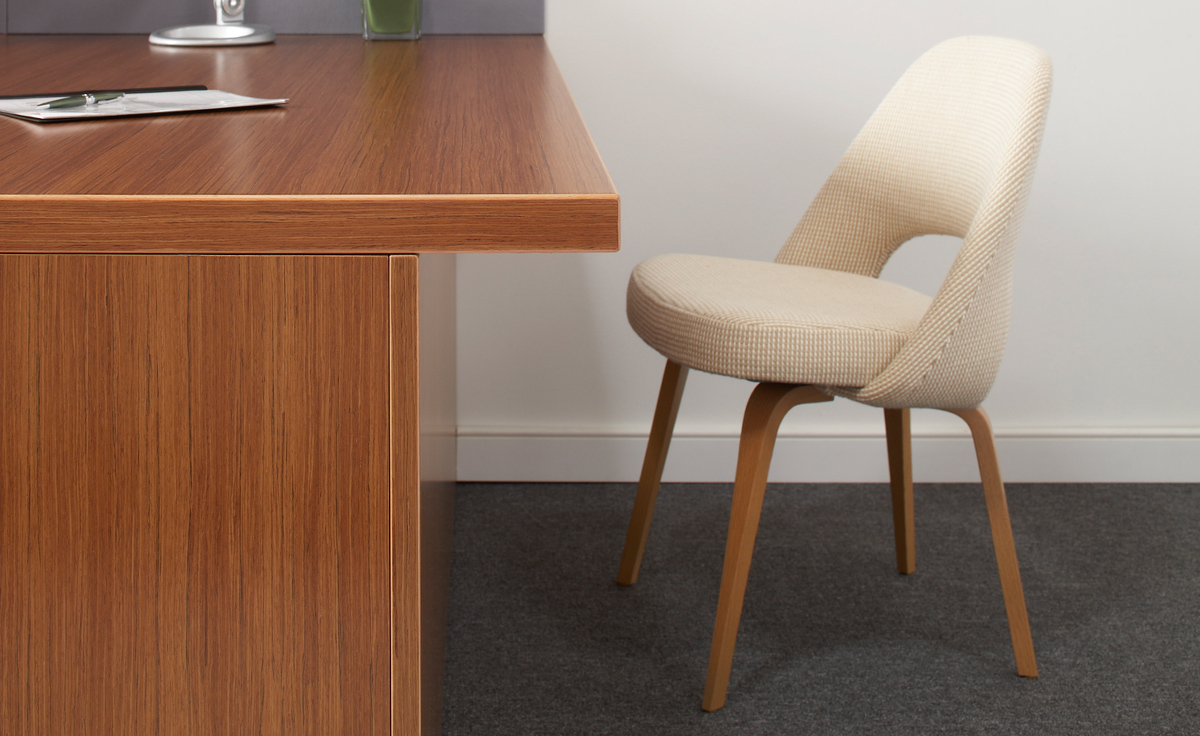 swivel chair armless banquet covers wholesale saarinen executive side with wood legs - hivemodern.com