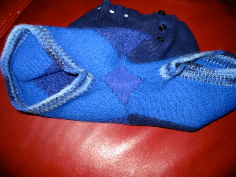 Knitting Nancy (1/3)