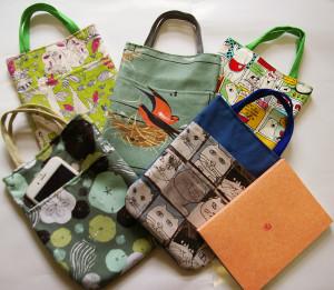 """プレゼントにも最適な""""RumiYumi""""オリジナルのミニ・バッグ!初心者でもOK!毎回4名までなので、少人数でアットホームな雰囲気。文庫本も携帯もすっぽり入り、バッグ・イン・バッグとしても使えます"""