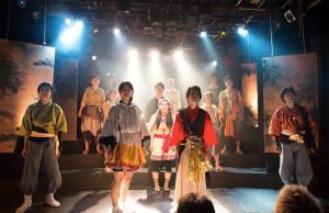 2015年度の新人公演「アテルイ」でも、鴇田さんが企画責任を務めた。今回の制作部チーフ・東さんはじめ、慶應最大の演劇集団らしい多数の新人を迎え入れた上級生らにとっても、想い出深い一作品となった(写真:同団提供)