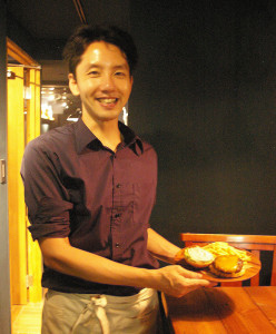 創業者の阿部和彦さんは茨城県出身。大学時代、初めて自炊をした時に「料理が好き」と自覚したことが料理人、そしてお店を持つことを目標としたきっかけ