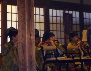 興禅寺の雅楽は明治時代より継承されてきた(2017年1月1日撮影)