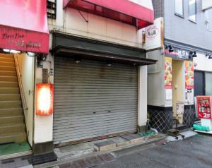 閉店した「馬沙羅(ばさら)」の跡地では、3月21日現在、外からは工事が行われている様子は見えなかった