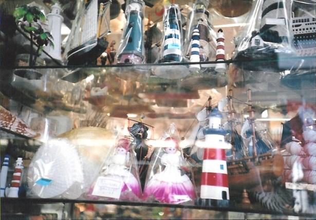 江ノ島レトロみやげ・昭和レトロな貝細工の人形