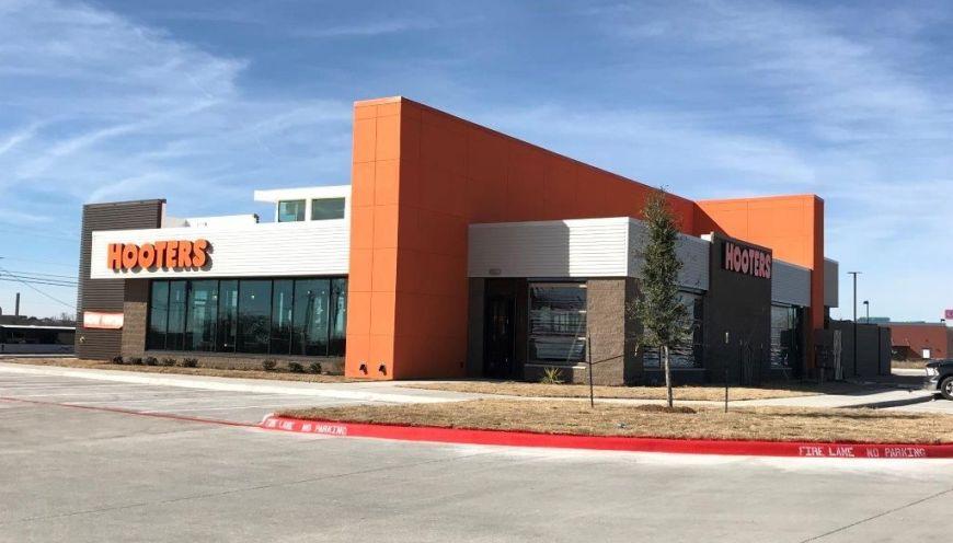 Hooters Opens Latest Texas Location in Abilene