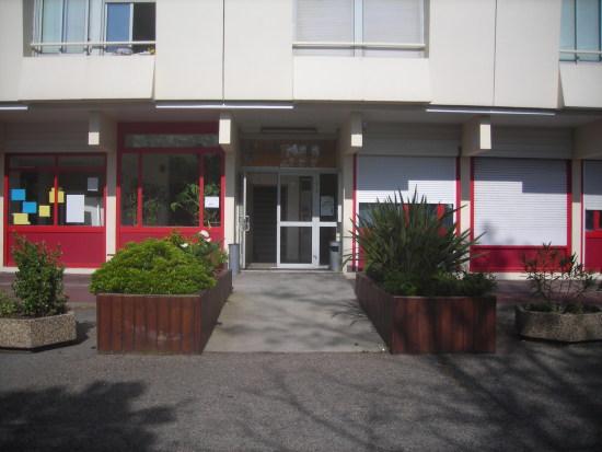 Genilor Foyer Jeunes Travaille  Foyers Dhbergement Lormont  France TL 0550
