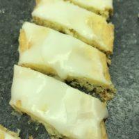 Fedtebrød (eller småkager med kokos og romglasur) LFM