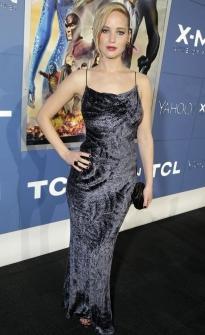 Jennifer-Lawrence-KOTUR-Clutch-XMen-Premiere-May-11-2014-205