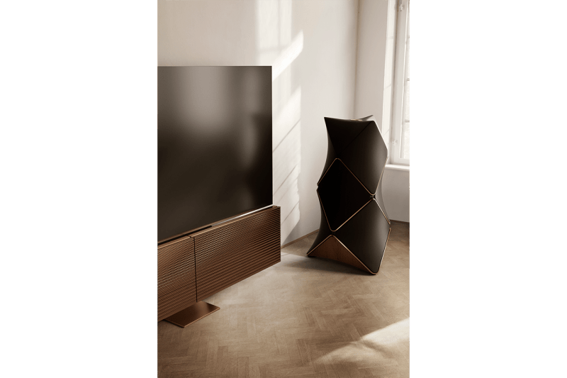 極致享受 − Bang & Olufsen 推出全球首台 8K OLED 88 英吋電視