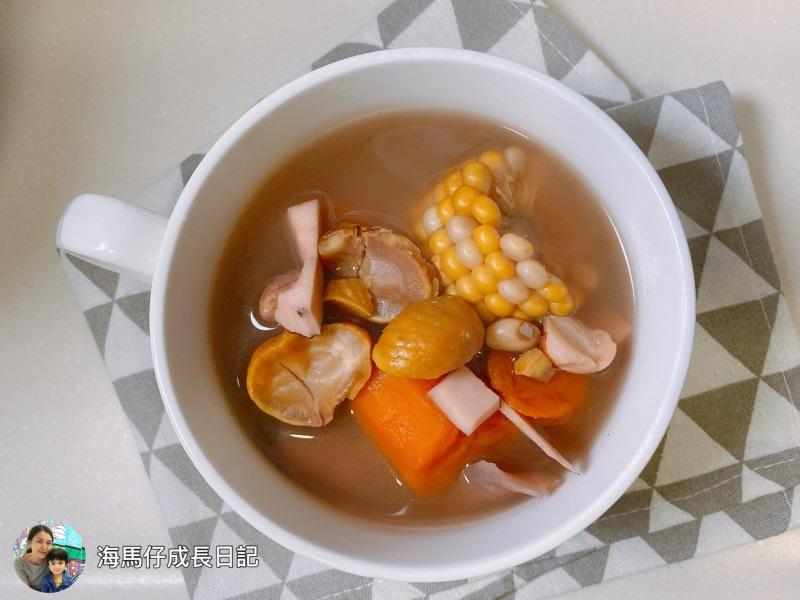 [海馬仔飲食] 椰子栗子紅蘿蔔腰果湯 (素湯)|海馬媽媽