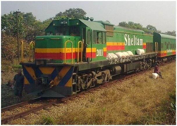 剛果民主共和國貨運列車出軌翻側墮橋 24死31傷 即時新聞 亞歐非 on.cc東網