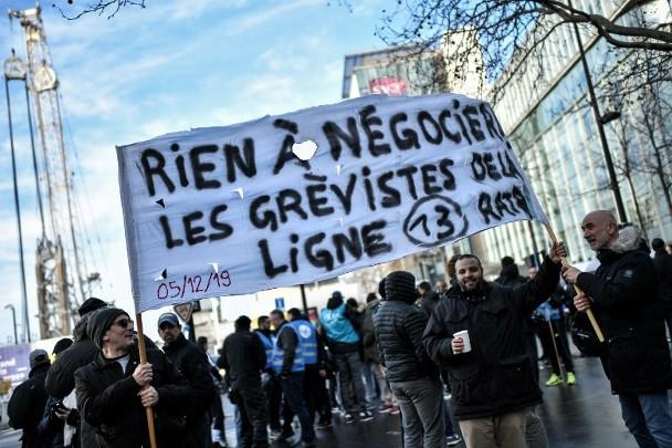 罷工癱瘓聖誕交通 政府與工會下月再談判 即時新聞 亞歐非 on.cc東網