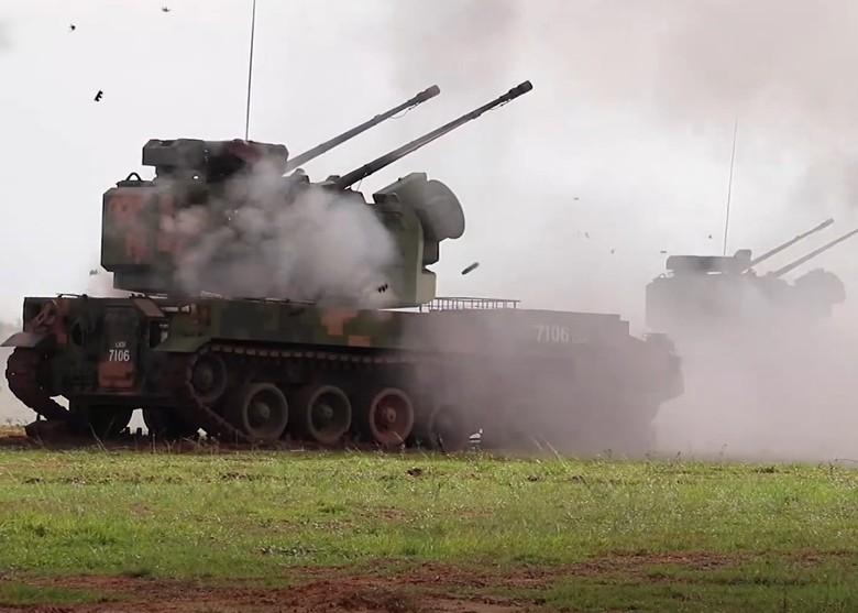 解放軍南海防空射擊演習 應對美機偵測意味濃|即時新聞|兩岸|on.cc東網