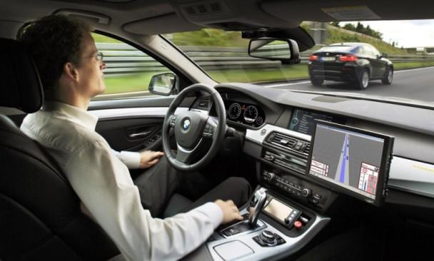 Call車+自動駕駛 寶馬明年測試自駕汽車|即時新聞|財經|on.cc東網