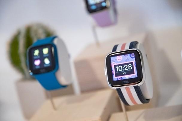 力追Apple Fitbit新智能手錶Versa Lite掀減價戰!|即時新聞|財經|on.cc東網