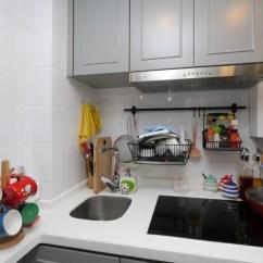 Ash Kitchen Cabinets Set 公屋变身空间感大增 即時新聞 生活 On Cc東網 白色为主调的厨房 衬上浅灰色的厨柜 型格十足