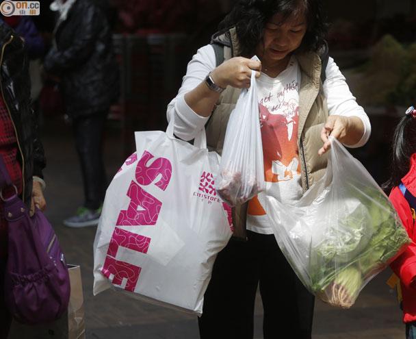 次輪膠袋稅豁免麵包冷凍產品 新例太鬆捱批 即時新聞 港澳 on.cc東網