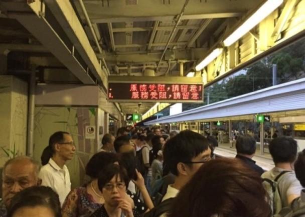 上水站信號故障 東鐵列車受阻個多小時|即時新聞|港澳|on.cc東網