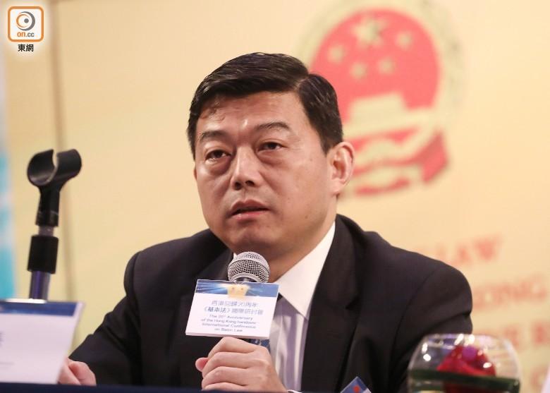 王振民指拒接受香港回歸的人 是花崗巖頭腦 即時新聞 港澳 on.cc東網