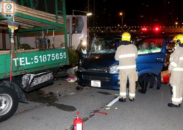 貨Van掟彎撼路邊「死車」 司機與坐順風車女同事俱傷|即時新聞|港澳|on.cc東網