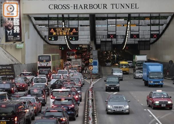 三隧分流方案 紅隧加隧道費的士車流減54%|即時新聞|港澳|on.cc東網