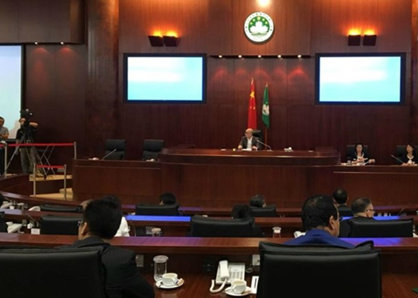 前主席賀一誠選特首 立法會議席補選11.24舉行 即時新聞 港澳 on.cc東網