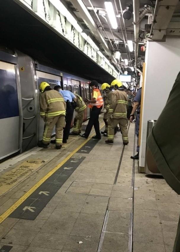 上水站男子墮軌亡 東鐵線服務一度受阻 - 時事臺 - 香港高登討論區