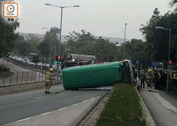 汀角路「綠Van」自炒 7人受傷司機一度被困 即時新聞 港澳 on.cc東網