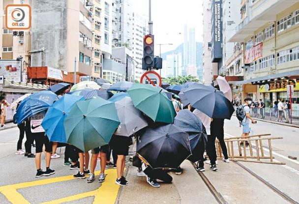 港版國安法:心臟病發女工仍危殆 工會譴責示威者暴行|即時新聞|港澳|on.cc東網