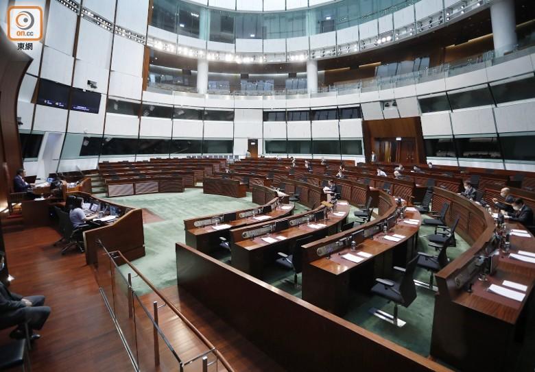 立法會三讀通過上年度稅務寬減 議員促政府炒庸官|即時新聞|港澳|on.cc東網