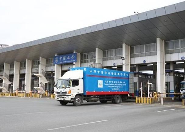 跨境貨車入境深圳「打回頭」 司機於內地遭白眼呻難捱|即時新聞|港澳|on.cc東網