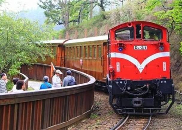 阿里山小火車接連出軌 明起全面停駛檢修|即時新聞|臺灣|on.cc東網