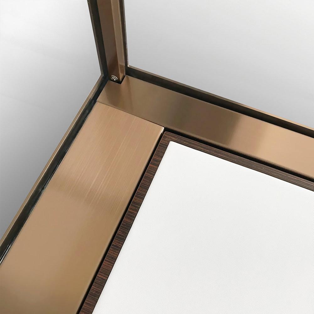 Inside Corner of MT-32 Glass