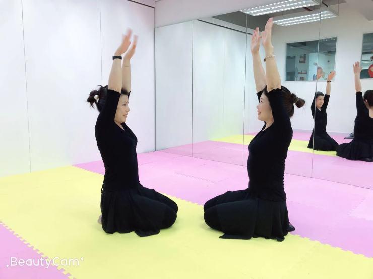 中國舞 – 香港菁思格普通話教育中心