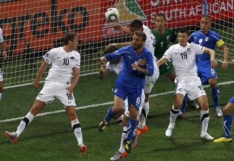 ايطاليا تتعادل مع نيوزيلندا 1-1 في كأس العالم